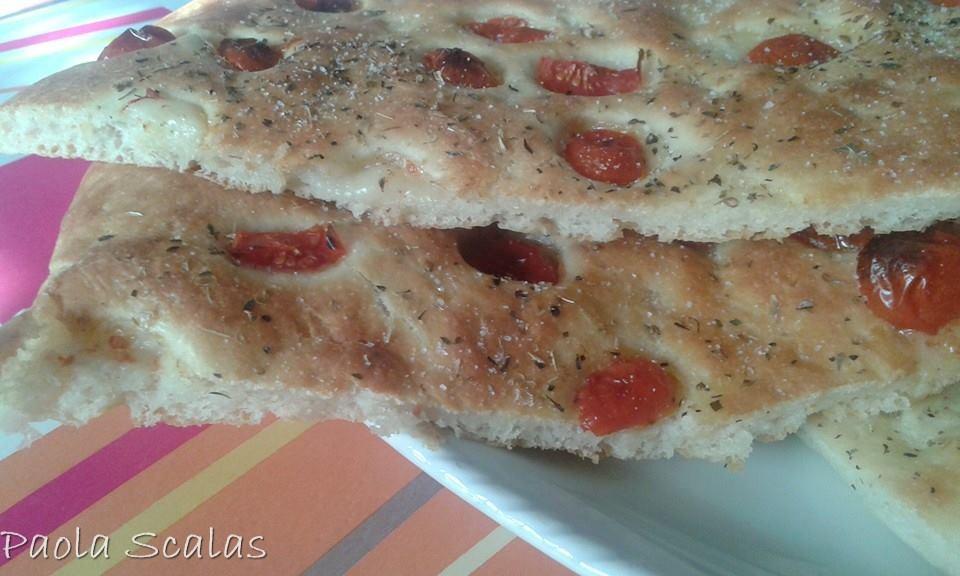 Paola Scalas - Focaccia con pomodorini