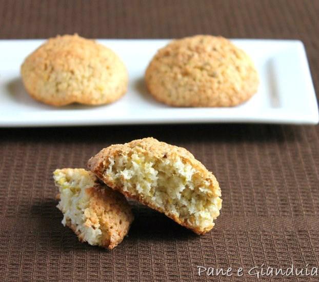 Pasticcini al cocco e pistacchio