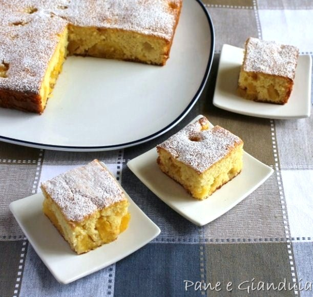 Torta all'ananas fresco