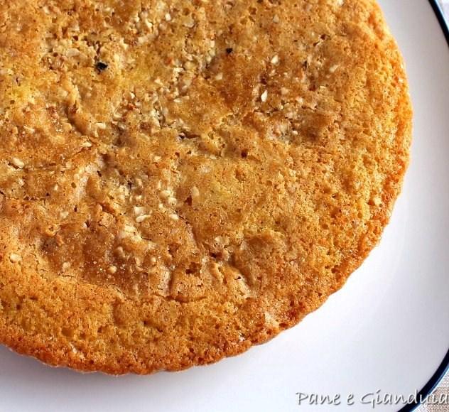 torta nocciole e albicocche