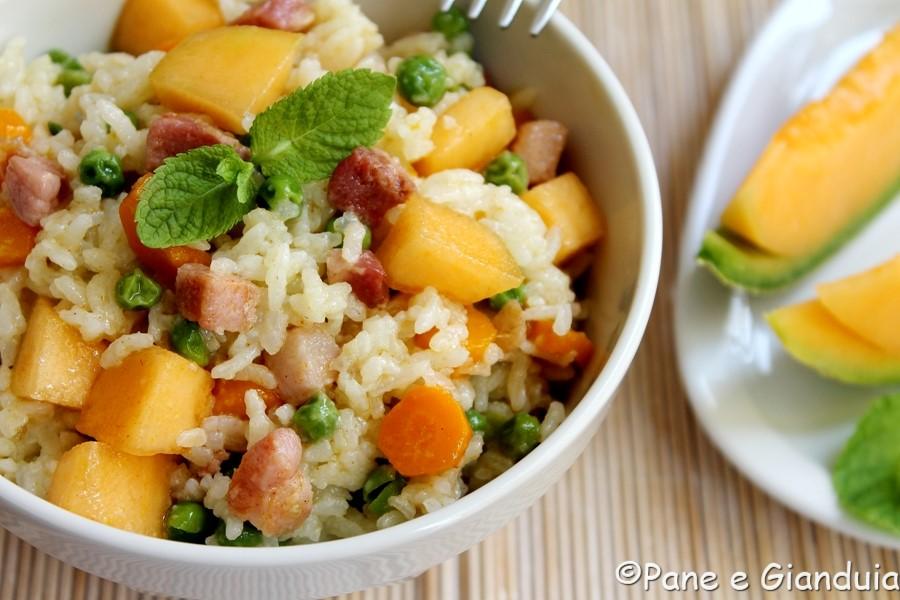 Insalata di riso con melone e pancetta affumicata