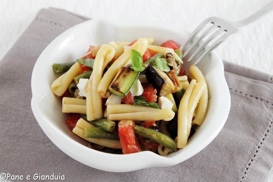 Pasta fredda e verdure grigliate