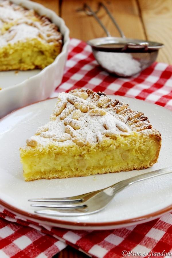Torta crema e pinoli