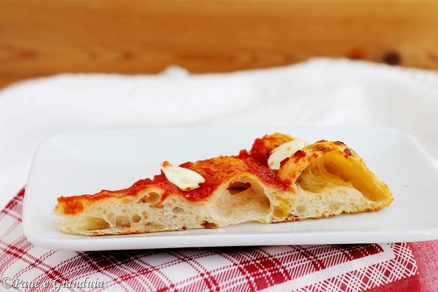 Pizza con pasta madre e prefermento