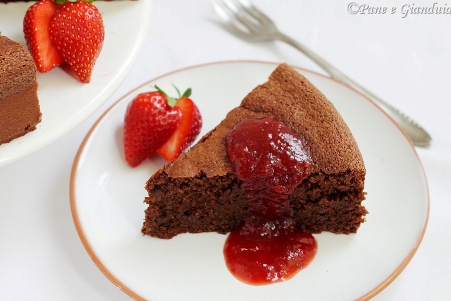Torta al cioccolato con farina di mais