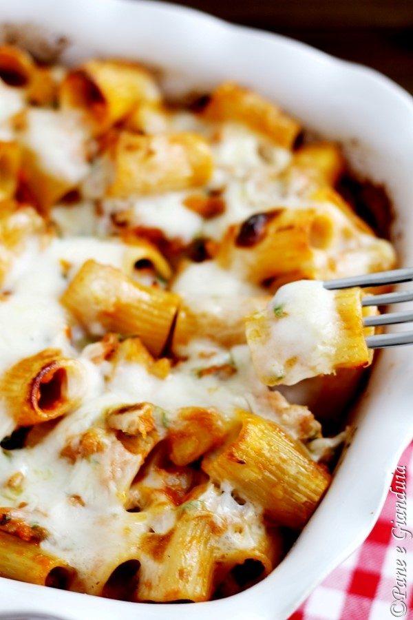 pasta al forno con branzino e zucchine
