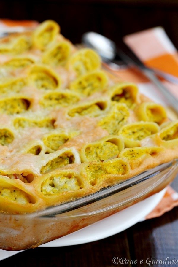 Paccheri ripieni di ricotta seirass, zucca e broccoli