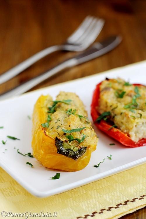 Peperoni ripieni con quinoa e olive