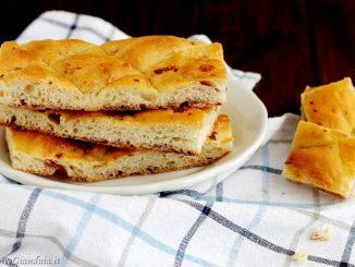 Crescente Bolognese la colazione del formaio
