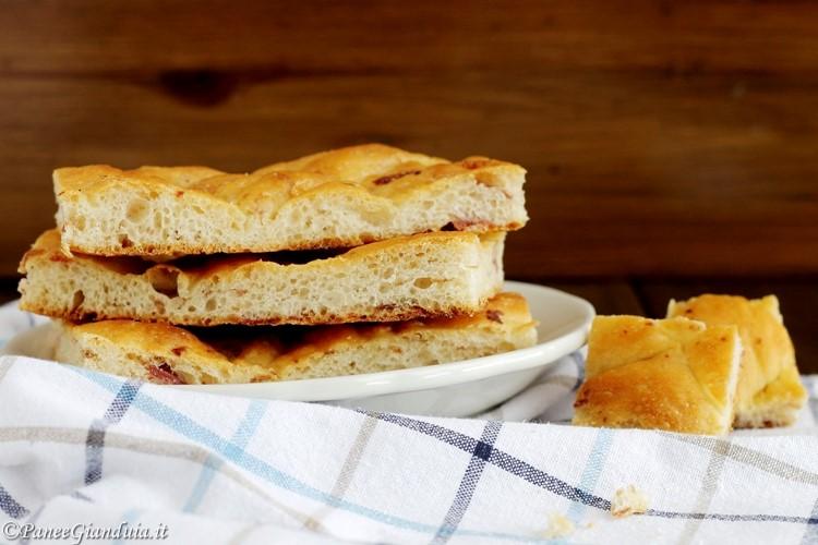 Crescente Bolognese, la colazione del fornaio