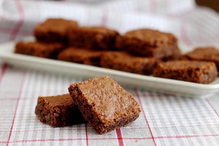 Brownie al cocco e cioccolato fondente