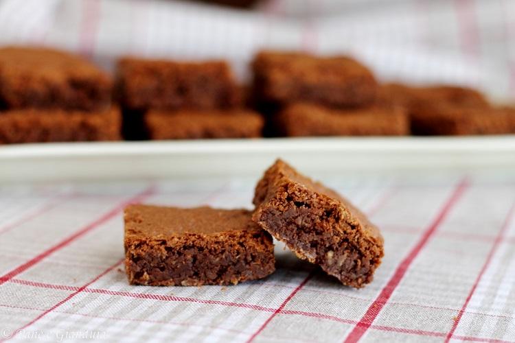 Brownies al cocco e cioccolato fondente