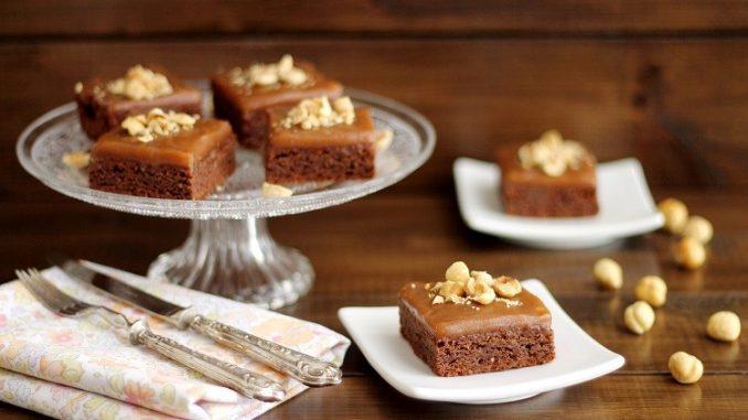 Brownies alle mandorle e nocciole con crema mou