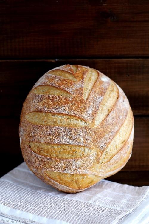 Pane di grano duro e semi di canapa