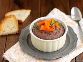 Crema di fagioli neri con carote glassate