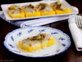 Crostini di polenta con carciofi e raschera
