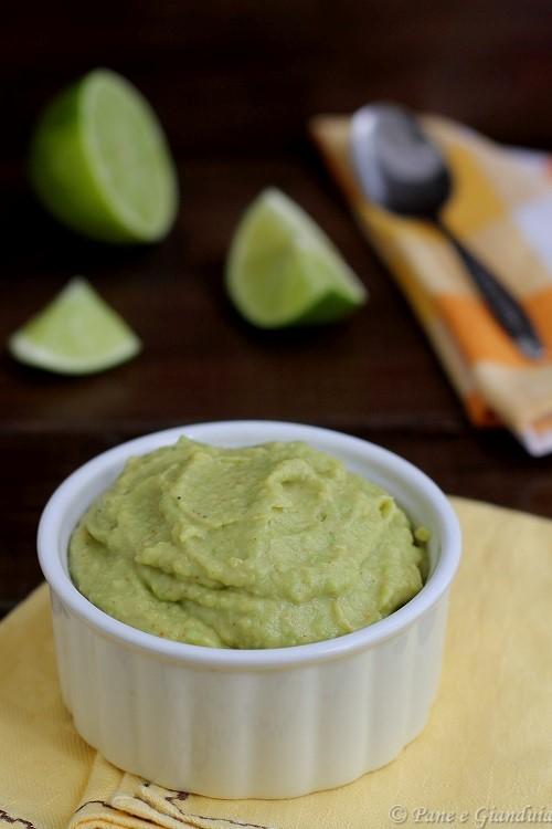 Crema di avocado paprika e lime