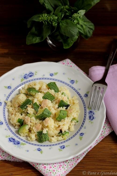 Cous cous al basilico zucchine e tonno