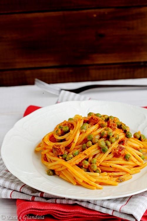Spaghetti ai piselli con nduja