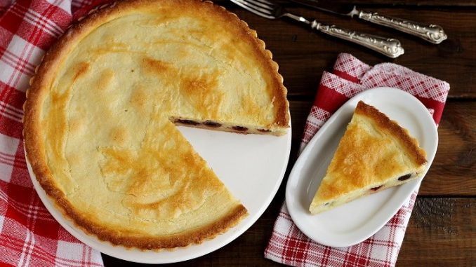 Torta pasticciotto con crema e amarena