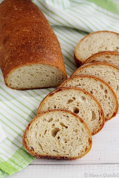 Filone di pane con farina di soia e grano tenero
