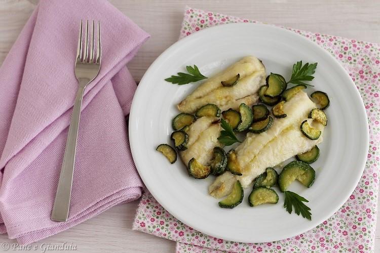 Pesce Gallinella Al Forno Con Zucchine Pane E Gianduia