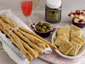 Grissini e crackers con semi di chia