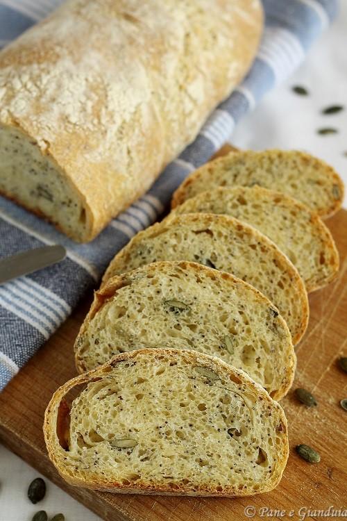 Pane di semola con semi misti