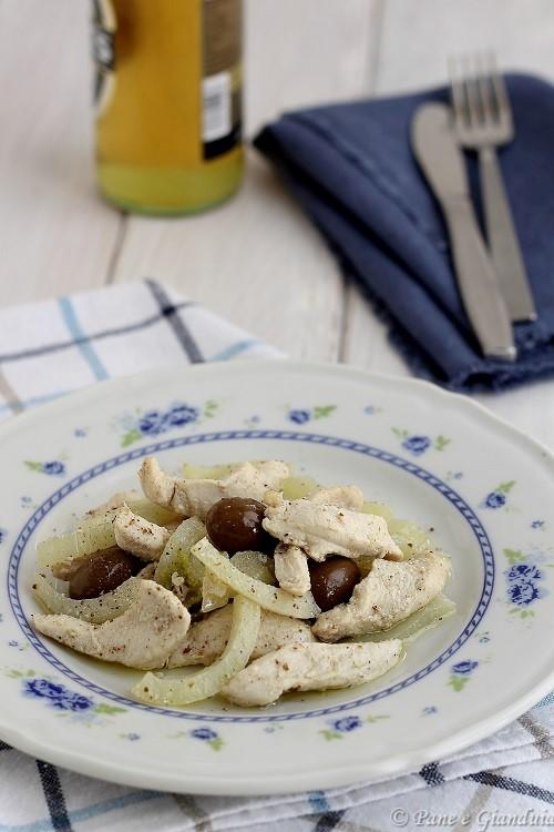 Ricetta Straccetti di pollo alla birra con olive e finocchi