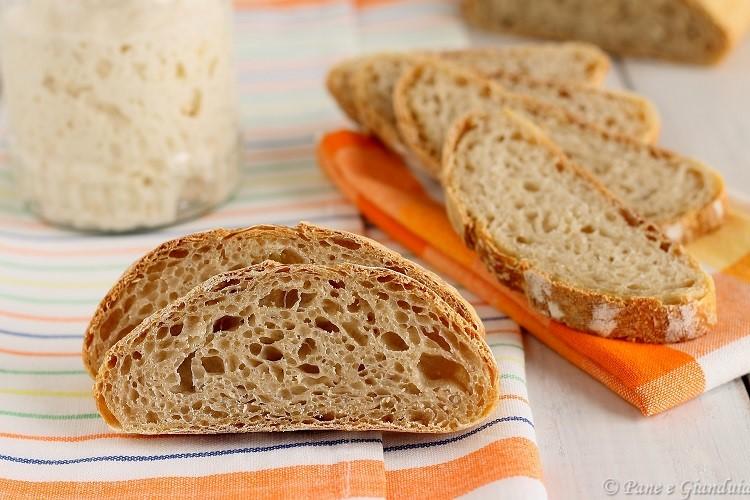 Pane con esubero di pasta madre