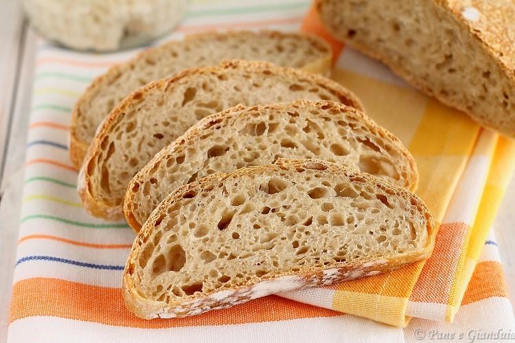 Pane fatto con esubero di pasta madre