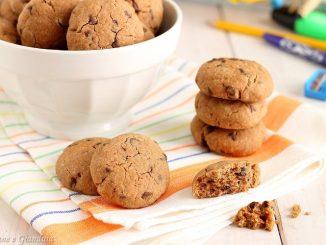 Biscotti al cioccolato tipo gocciole