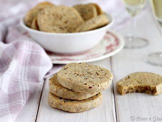 Biscotti salati ai cereali