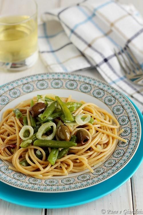 Spaghetti con fagiolini e cipolla di tropea