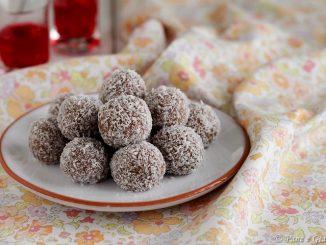 Tartufini al cocco e cioccolato