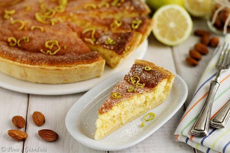 Torta spumosa alle mandorle e limone