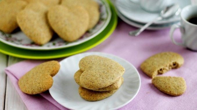 Biscotti di grano saraceno con cardamomo