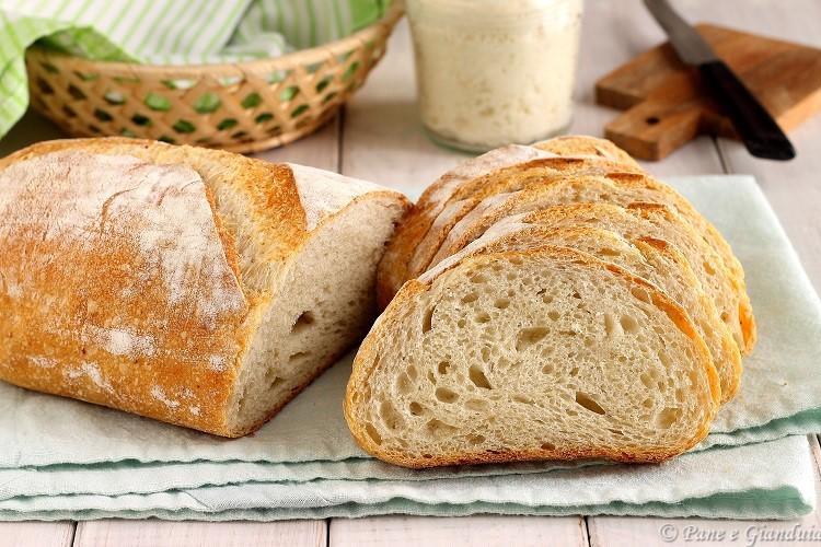 Pane bianco alle castagne