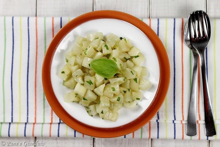 Daikon alla salsa di soia e basilico