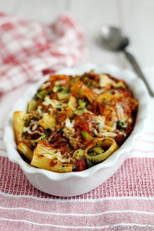 Paccheri al forno broccoli e salsiccia