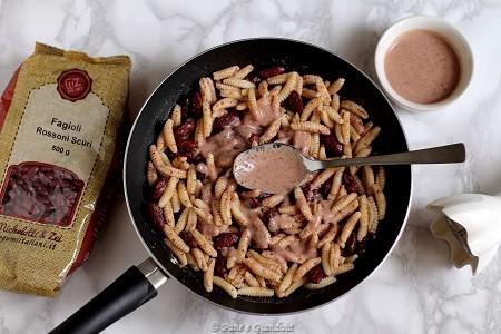 Gnocchetti sardi con fagioli rossi e alici