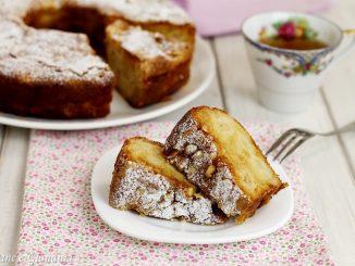 Torta aromatica di renette e pinoli