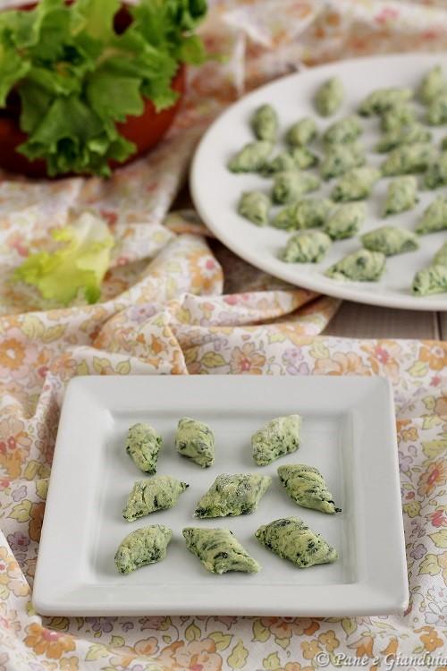 Gnocchi verdi con ricotta