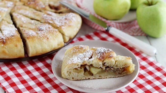 Focaccia con mele e marmellata di limoni